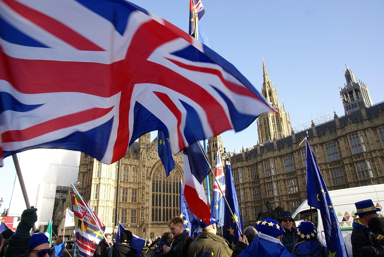 1280px-Brexit_Protestors_Westminster