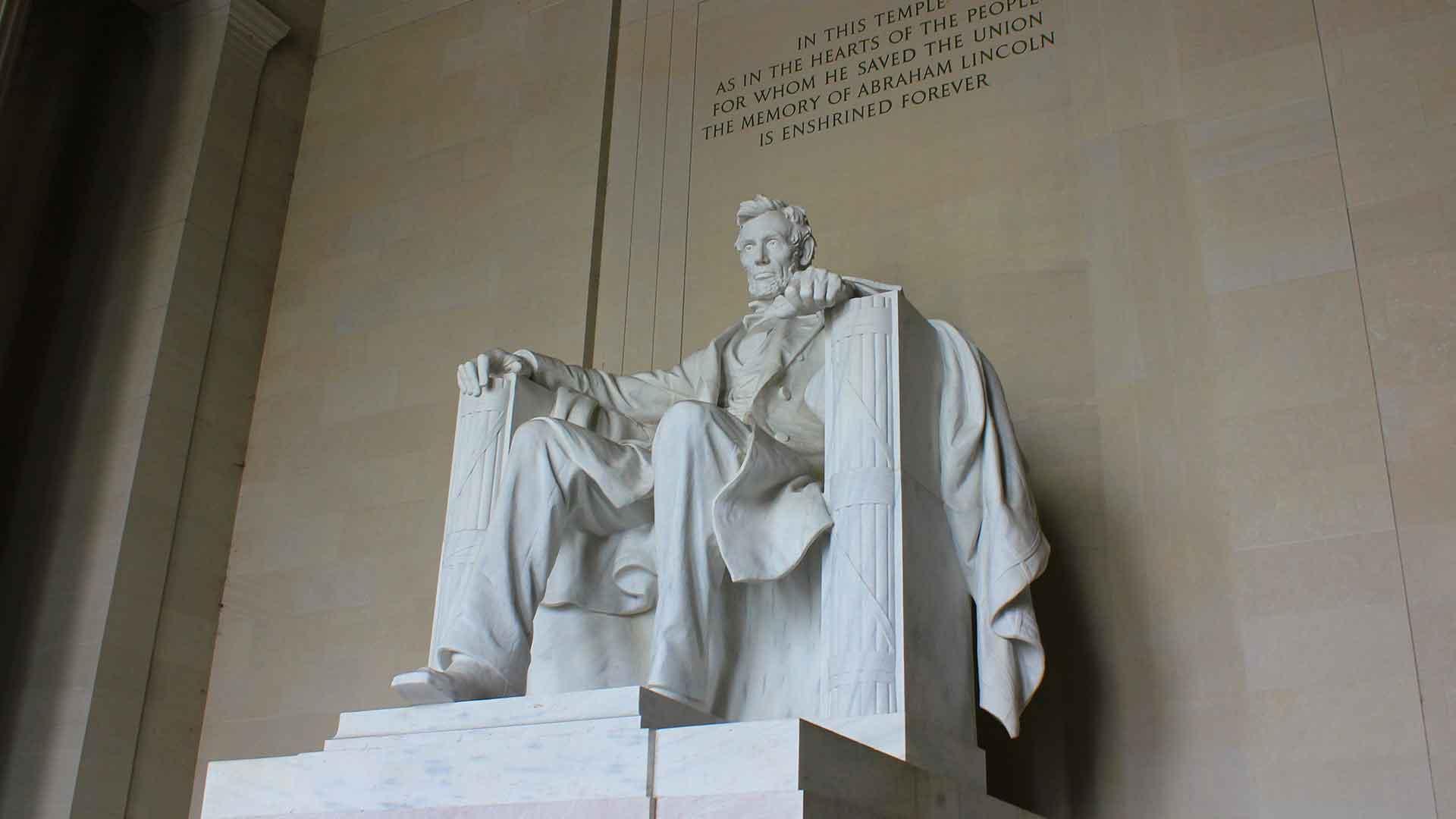 Abe-Lincoln-Memorial.jpg