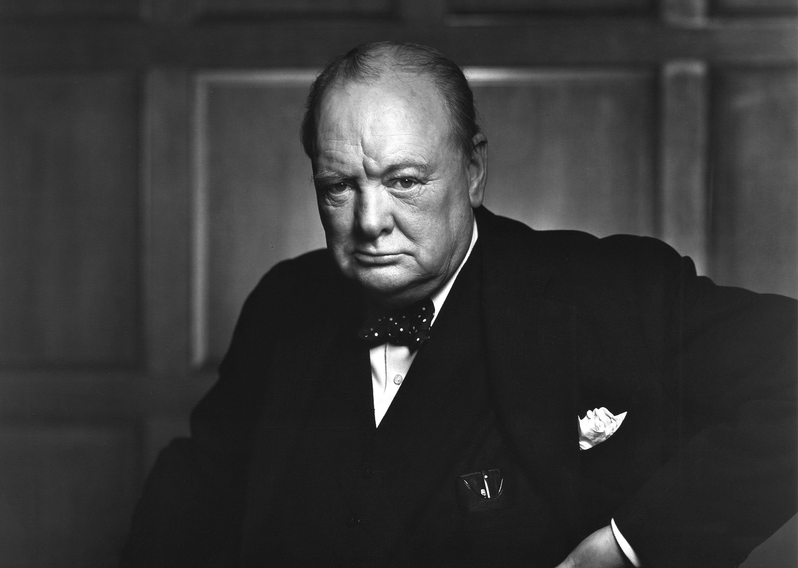 Sir_Winston_Churchill_-_19086236948.jpg